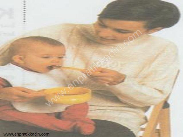Bebeğin Sütten Kesilmesi ve Ek Gıdalara Başlanması
