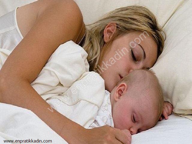 Bebeğiniz İle Yatak Paylaşımı Doğru mu