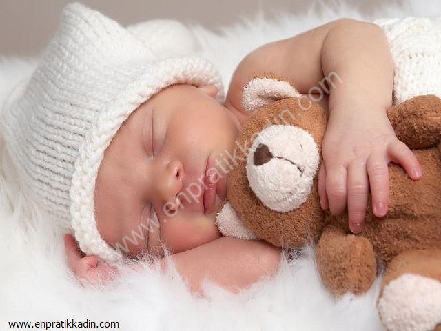 Bebeklerde Gündüz Uykusu ve Önemi