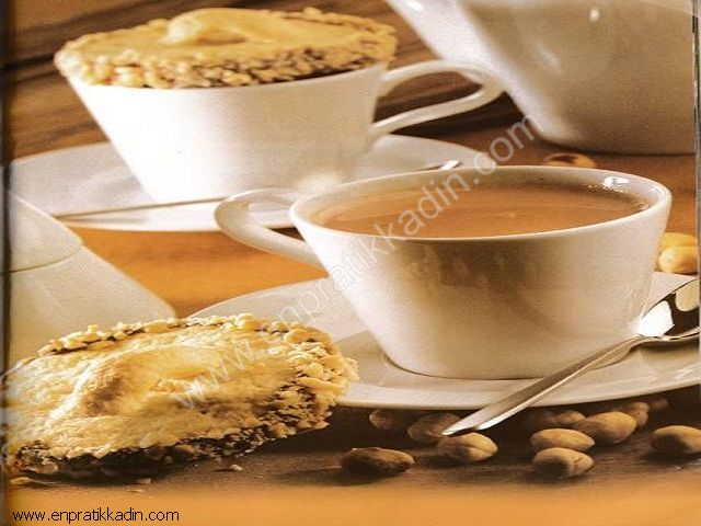 Bisküvi Kapaklı Sıcak Çikolata