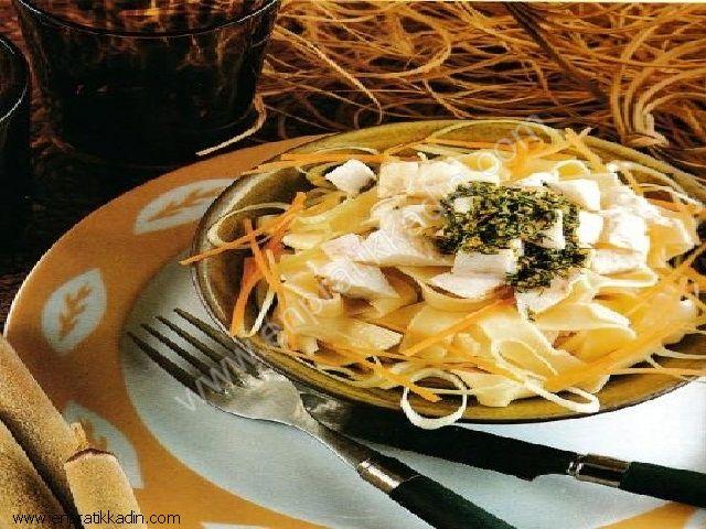 Erişteli Fener Balığı Salatası