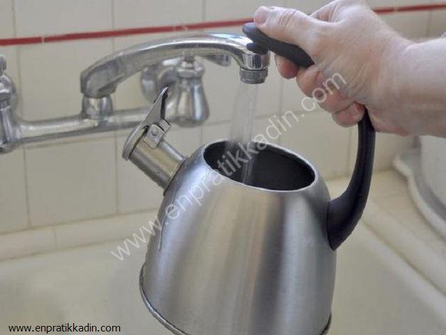 Evde Çaydanlıktaki Kireç Nasıl Çıkar