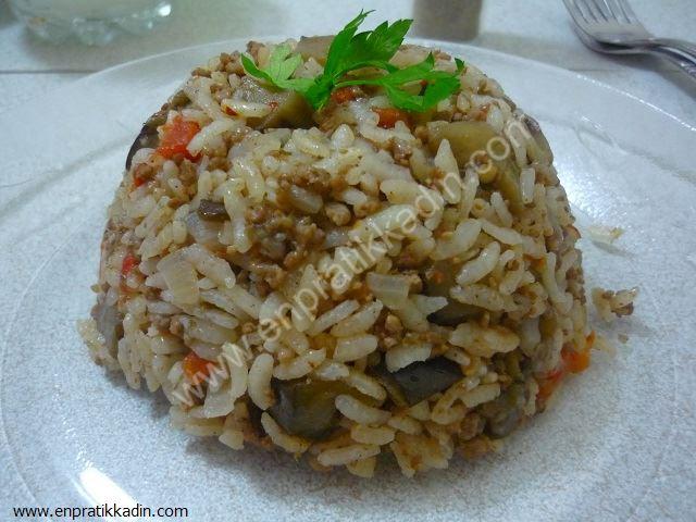 Patlıcanlı İç Pilav