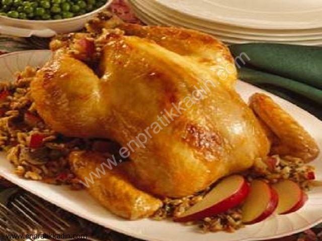 Pirinçli ve Elmalı Tavuk Dolması