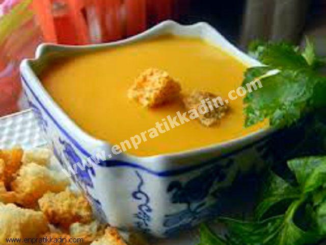 Salçalı Kabak Çorbası