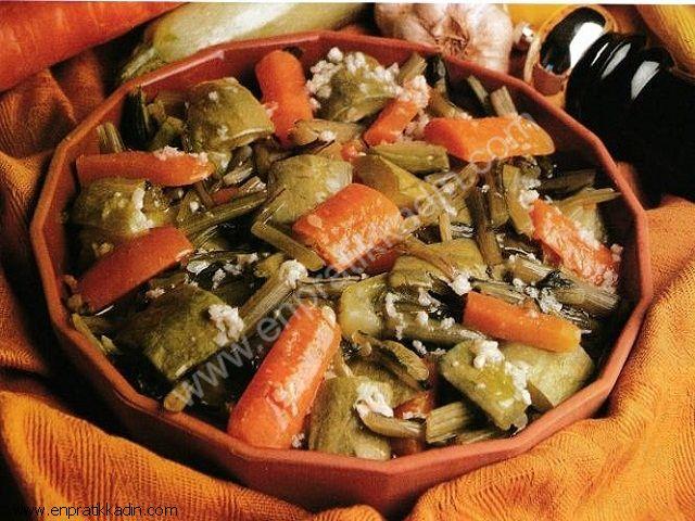 Sarımsaklı Sebze Salatası