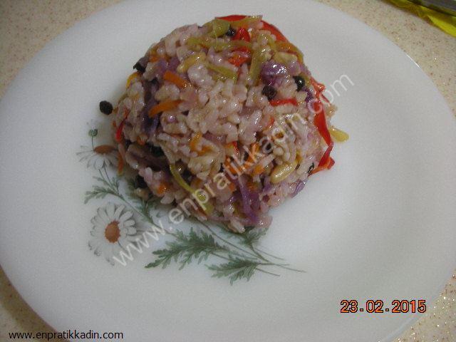 Soğanlı Sebzeli Pirinç Pilavı