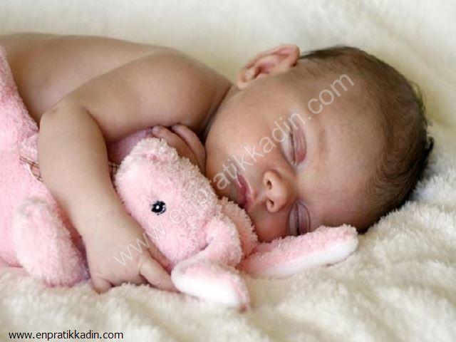 Yeni Doğan Bebeklerde Uyku Döngüsü