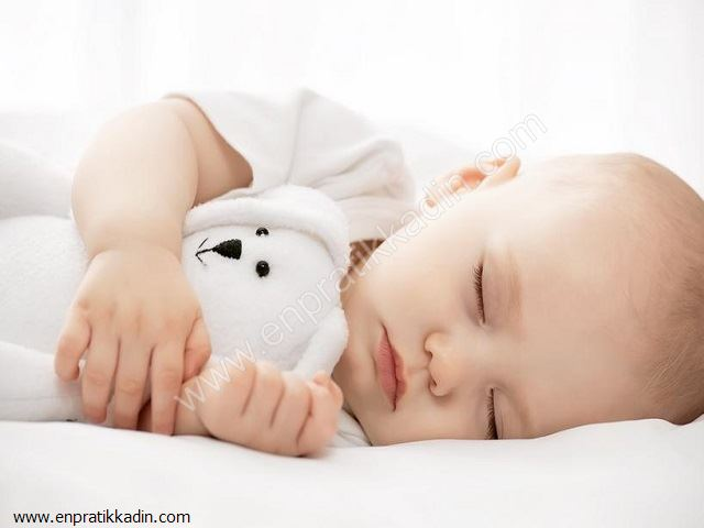 Yeni Doğan Bebeklerde Uyku Düzeni ve Rutinleri