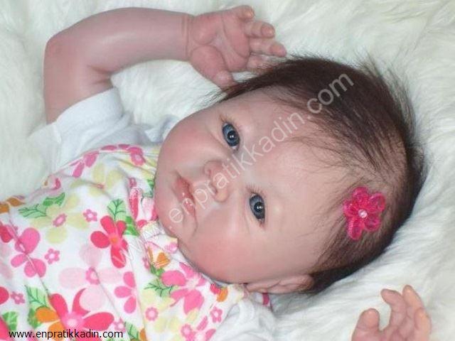 Yeni Doğmuş Bebeğin Kafası ve Bıngıldak