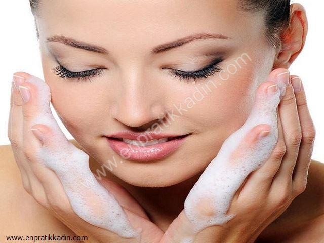 Yüz Temizliğinde Sabun Kullanılmalı mı